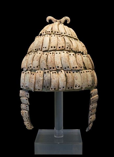 Boars's_tusk_helmet_NAMA6568_Athens_Greece1