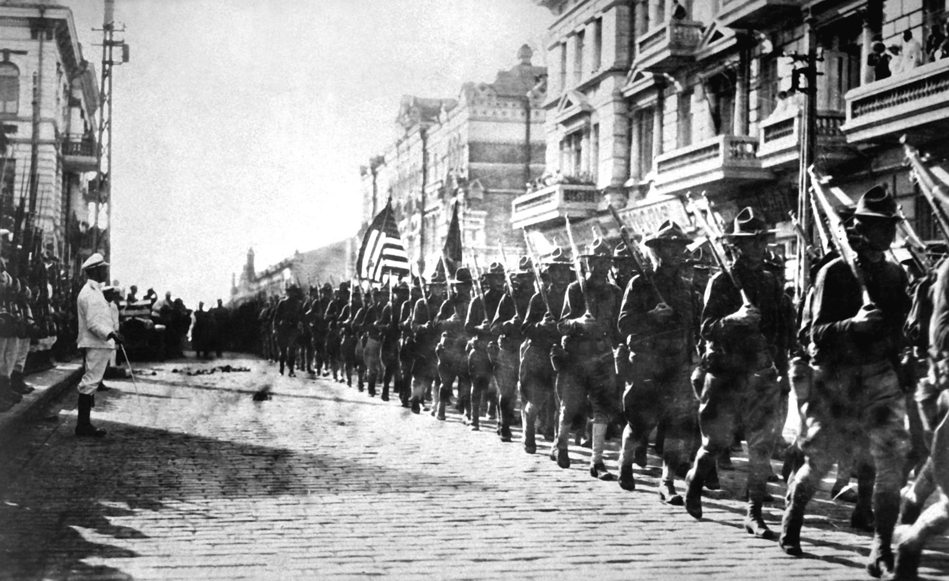 1920px-American_troops_in_Vladivostok_1918_HD-SN-99-02013