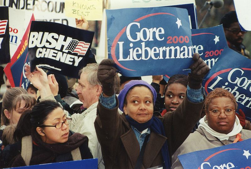 800px-56.ElectionProtest.USSC.WDC.11December2000_(21752049743)